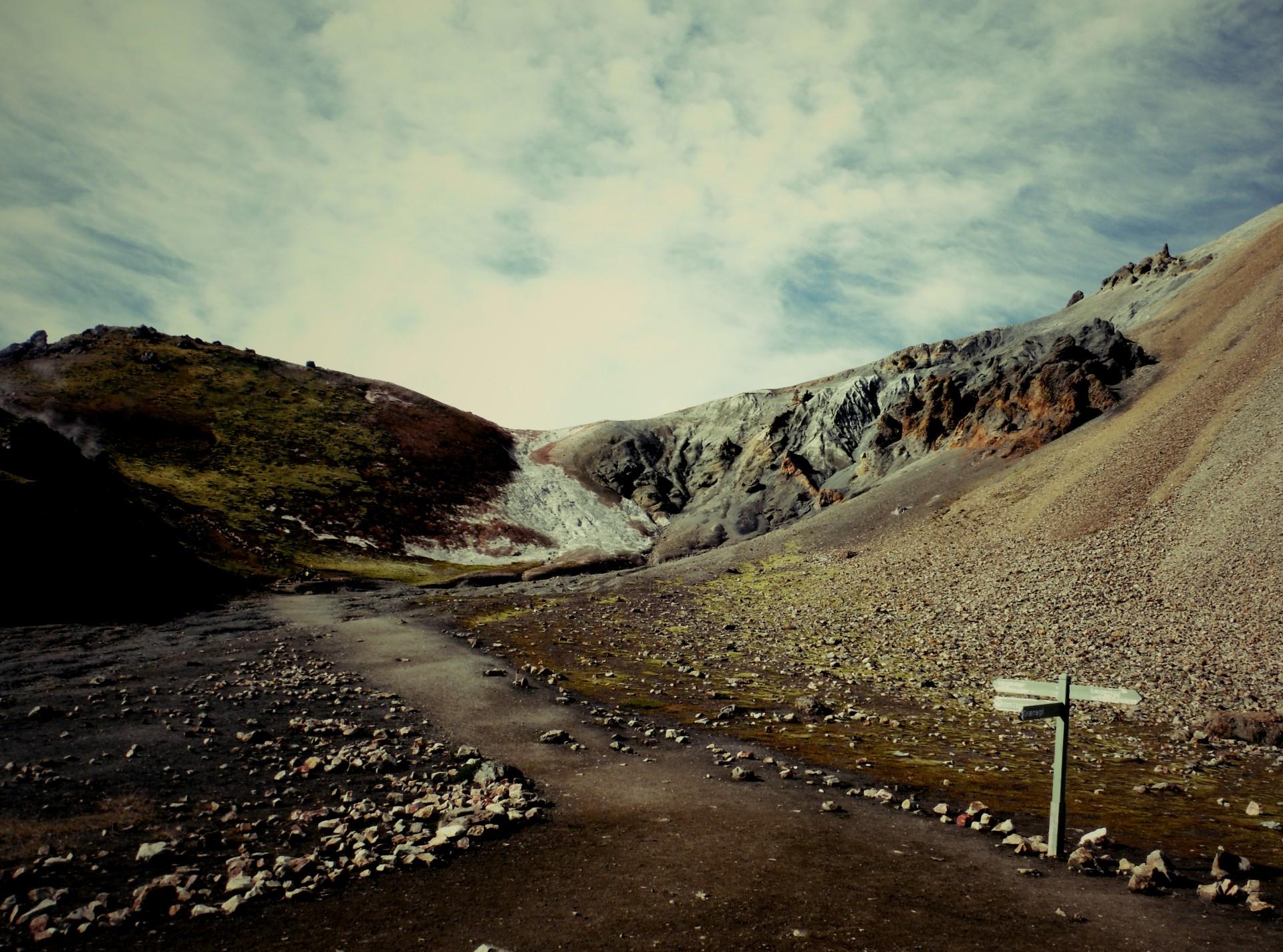 Thorsmork i kratery Magni i Modi