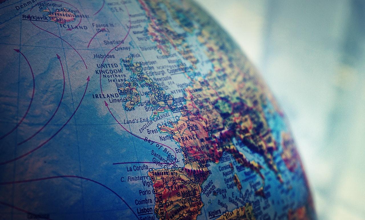 Koronawirus a podróże – fakty i mity